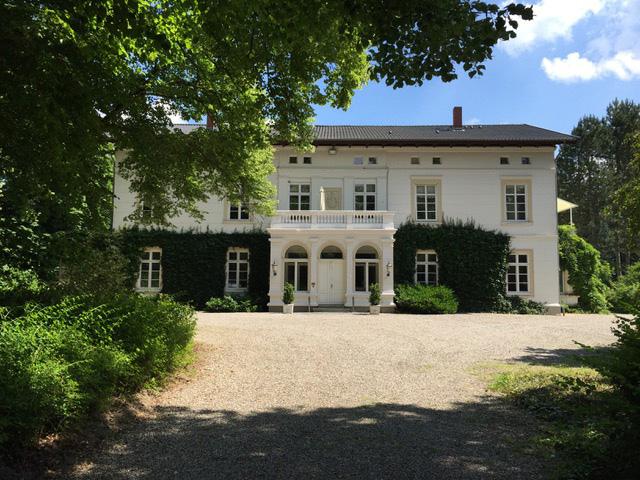 herrenhaus01