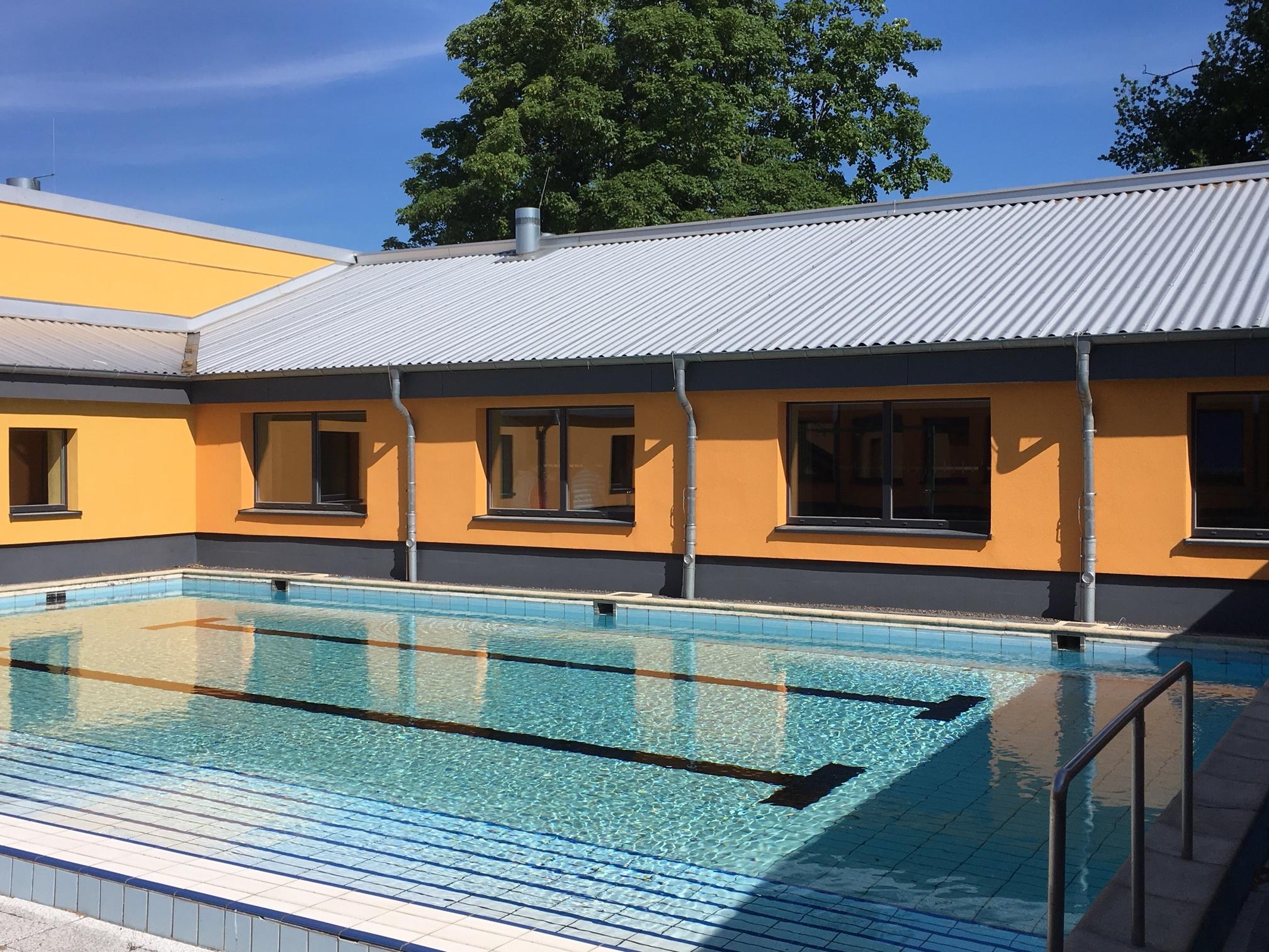Lehrschwimmbecken Der Stecknitz-Schule Lädt Zum Schwimmen Ein