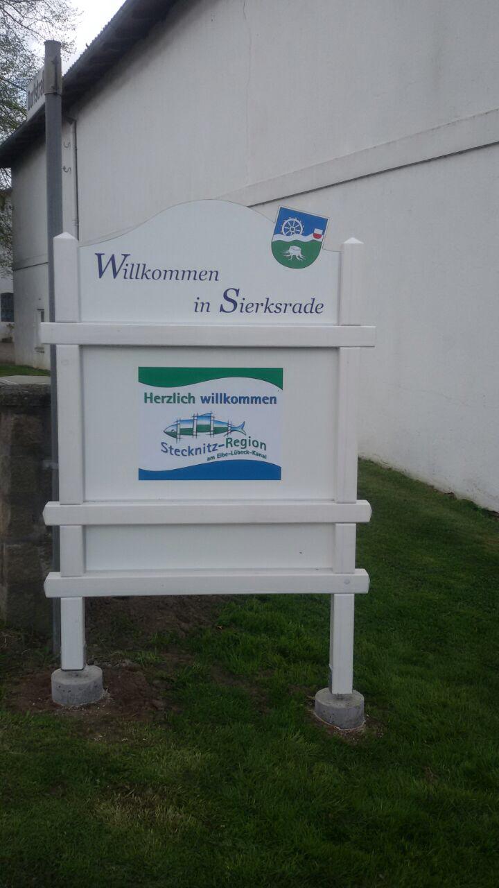 Gemeinde Sierksrade Stellt Neue Hinweistafeln Auf
