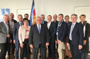 Kreisgruppe Der Leitenden Verwaltungsbeamten Im Austausch Mit Landtagspräsident Klaus Schlie Und MdL Christopher Vogt