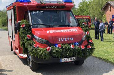 Niendorfer Feuerwehr Im Mittelpunkt Des Gemeindelebens