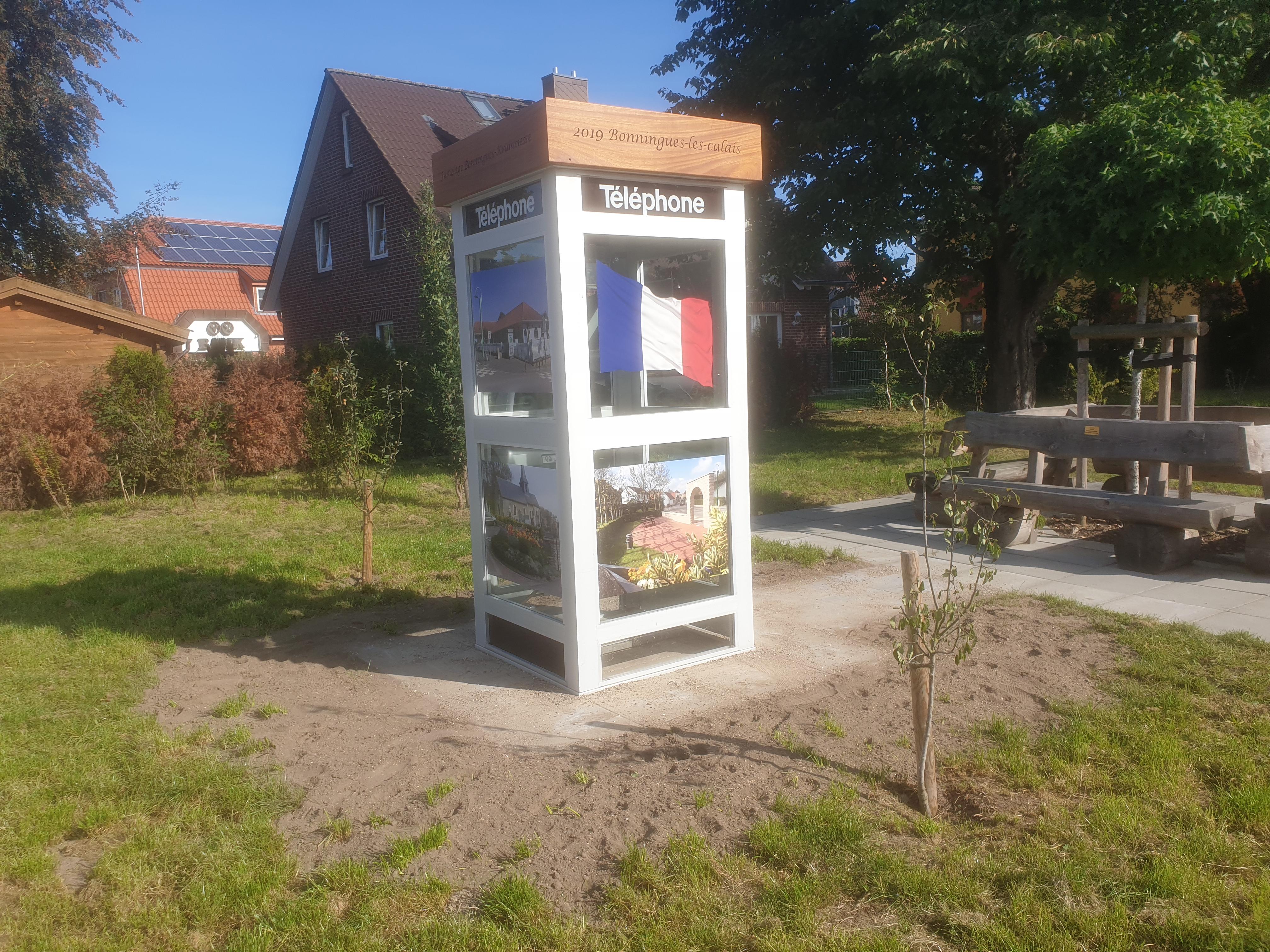 Telefonzelle Aus Partnergemeinde In Frankreich