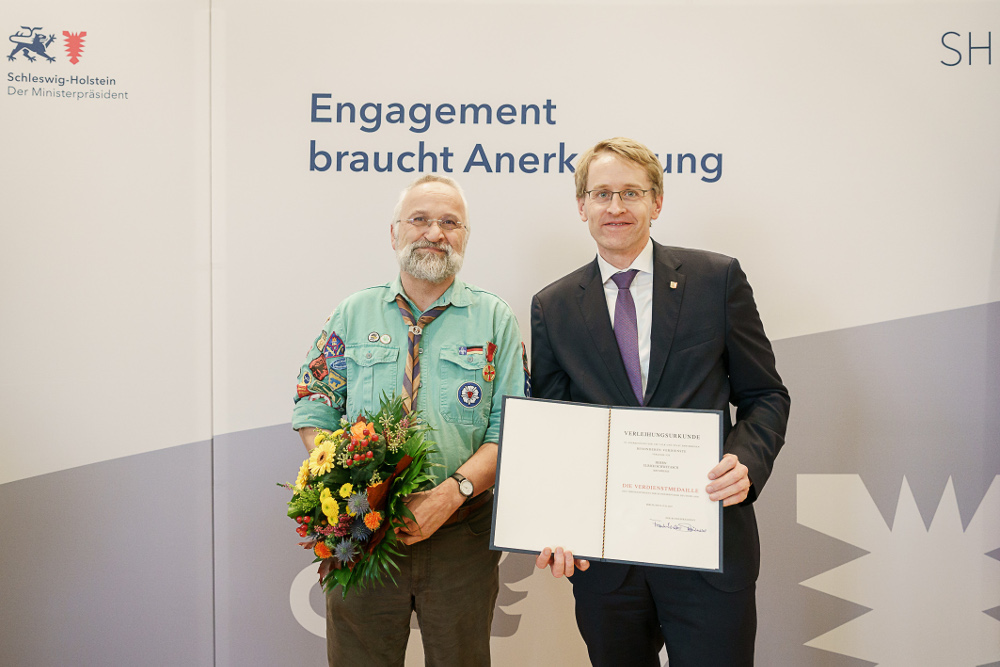 Pastor Schwetasch (Krummesse) Erhielt Verdienstmedaille Aus Den Händen Von Ministerpräsident Daniel Günther